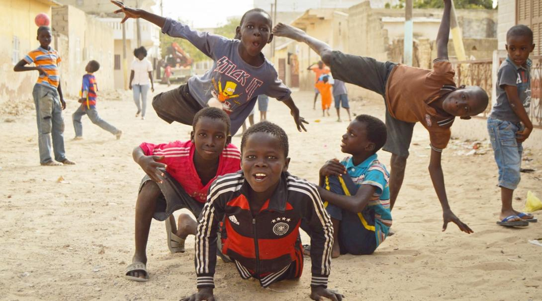セネガルのストリートチルドレンタリベ